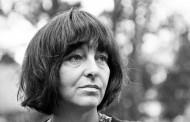 Friederike Mayröcker, viva en su escritura
